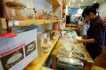 Quán cà phê cho khách tự làm bánh với 15.000 đồng